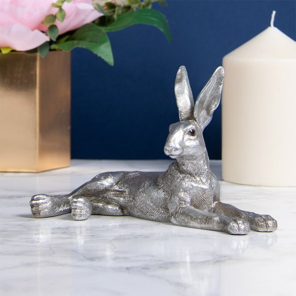 SILVER HARE LYING