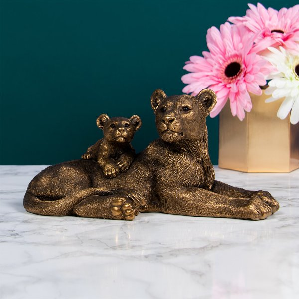 REFLECTIONS BRONZED LION W CUB