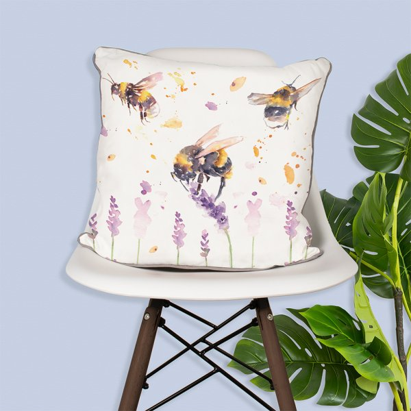 COUNTRY LIFE BEES CUSHION