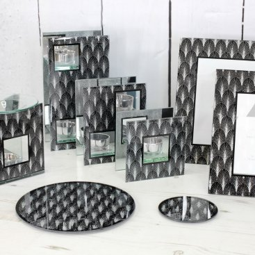 DECO SILVER BLACK CANDLE HOLDE